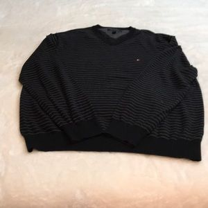 Men's black and grey Tommy Hilfiger sweater XXL